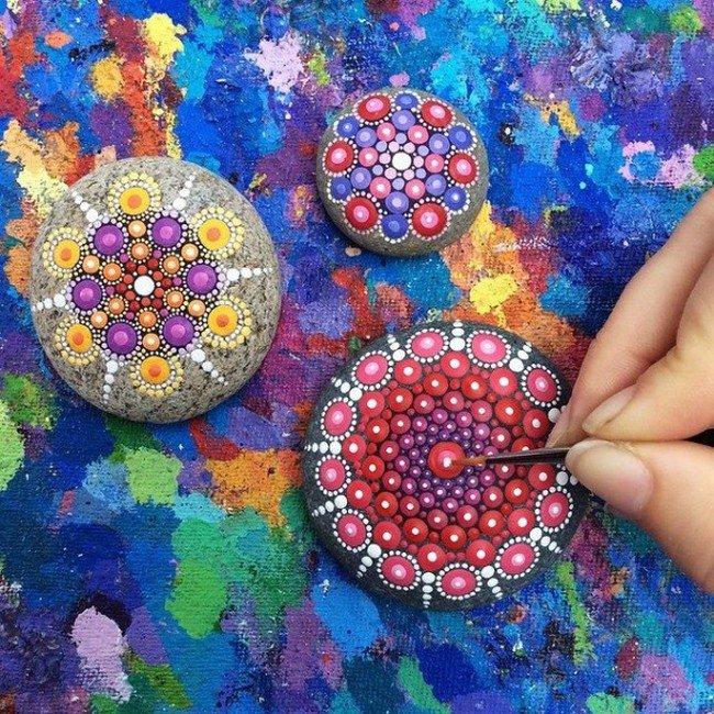 painting mandala stone