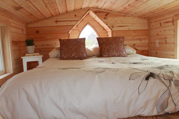 ravenlore-tiny-house-bedroom