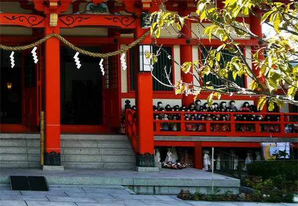 red shrine dolls