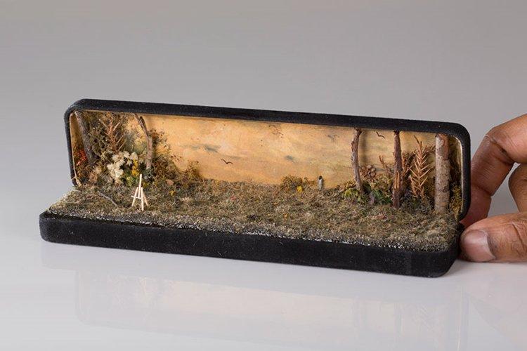 ring-box-mini-diorama-easel