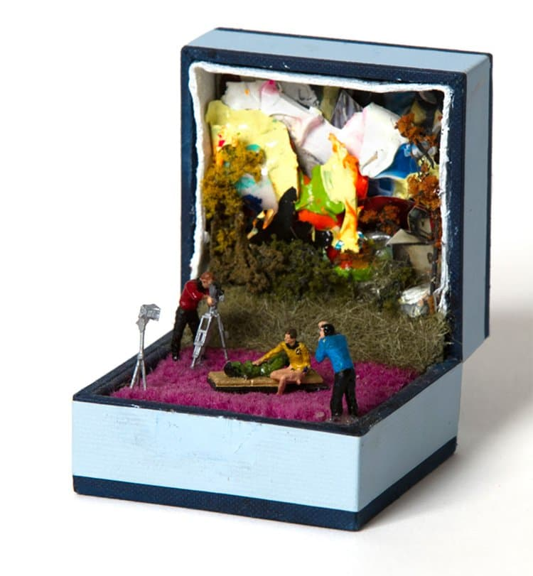 ring-box-mini-diorama-film