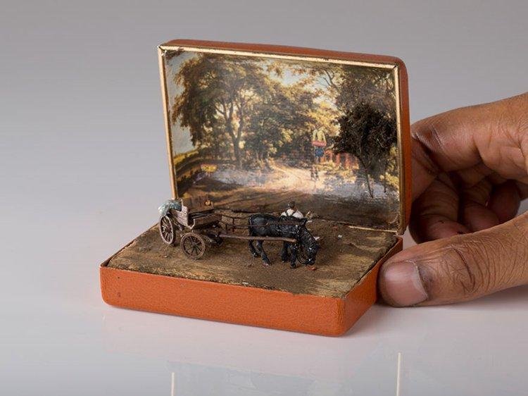 ring-box-mini-diorama-horse