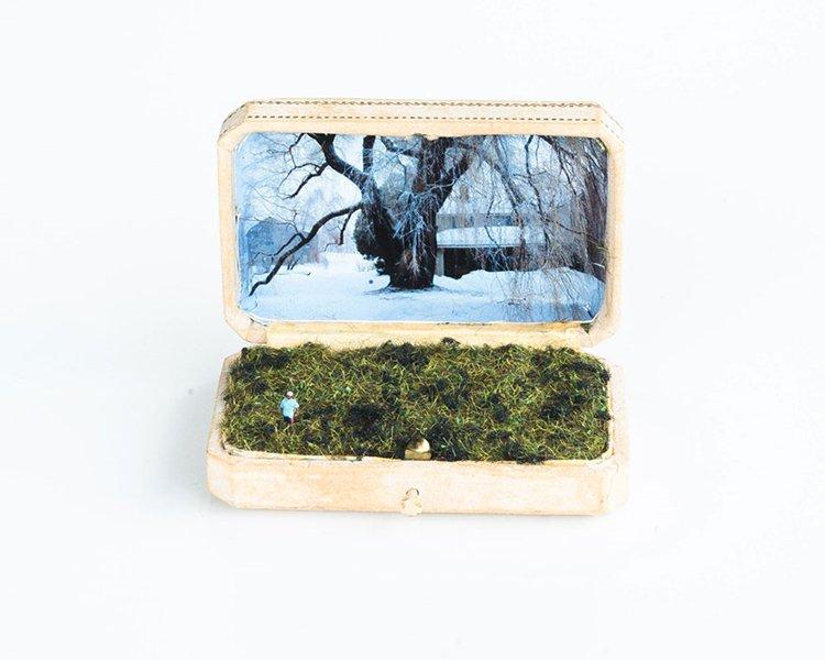 ring-box-mini-diorama-snow