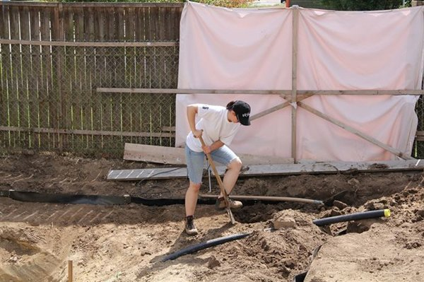 swimming-pond-hand-dig
