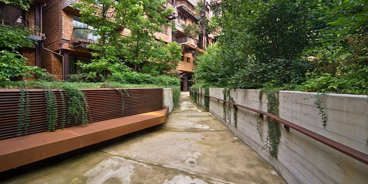 turin-urban-treehouse-path