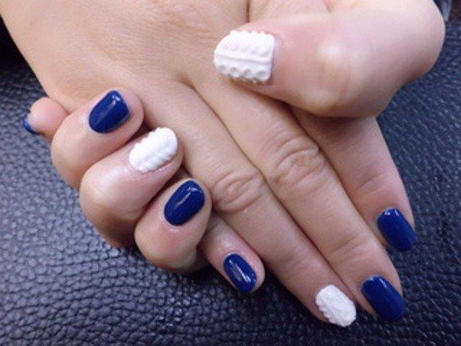 white blue nails