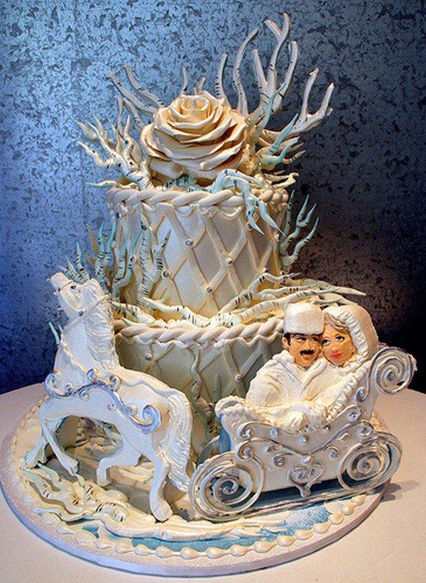 white cake couple