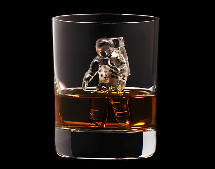CNC-milled-ice-cubes-astronaut
