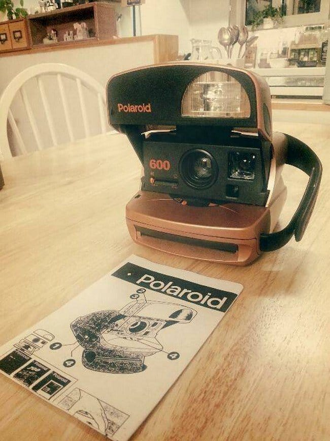 camera cafe polaroid table
