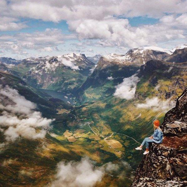 couple-traveling-around-world-photography-samuel-hildegunn-ledge