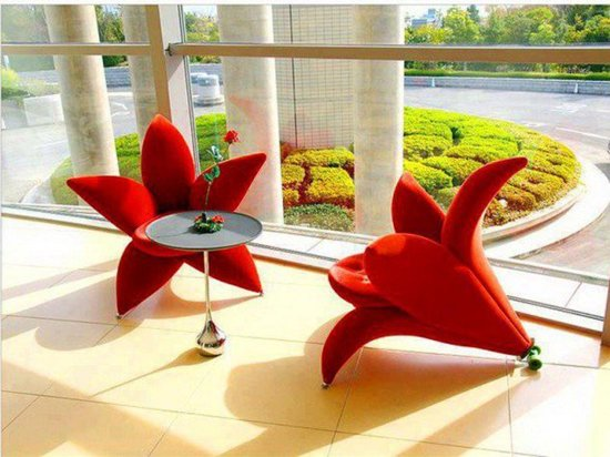 creative-table-and-chairs-lily