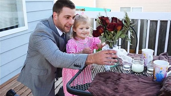 daddy-daughter-date-roses