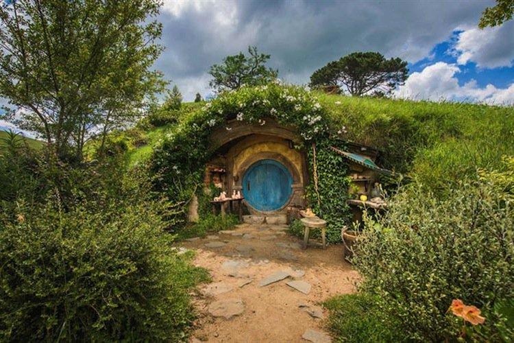 hobbiton-doorway