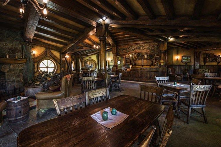 hobbiton-pub