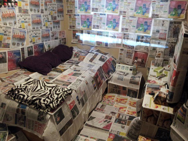 papered room