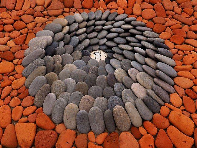 pebble circle