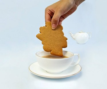 queen's head cookie cutter tea