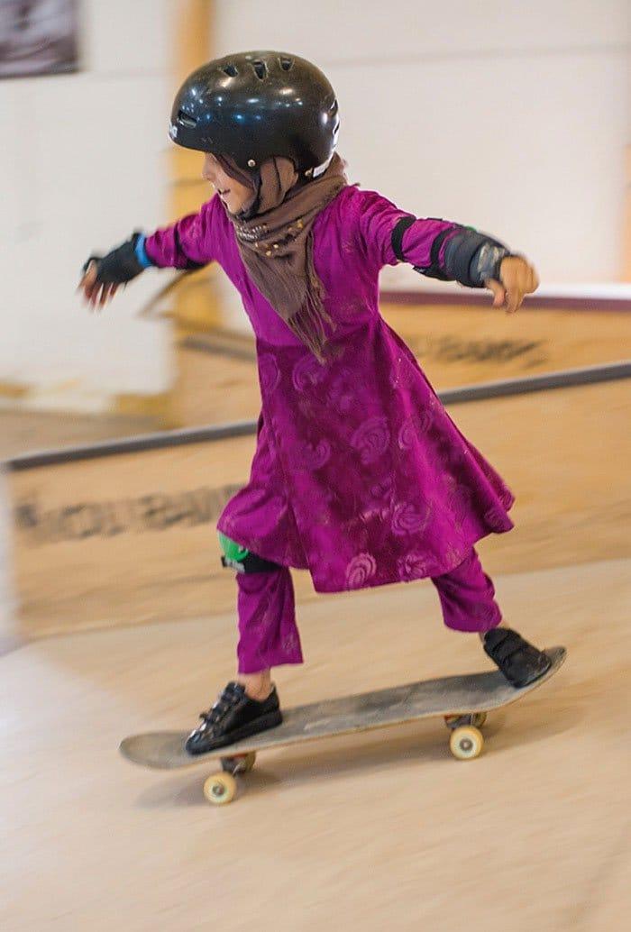 skateistan-skateboarding-girl