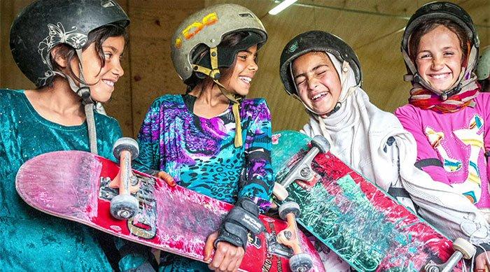 skateistan-skateboarding
