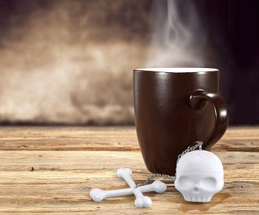 skull and crossbones tea infuser