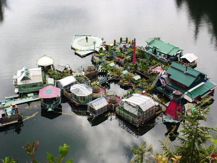 sustainable-home-off-the-grid-freedom-cove