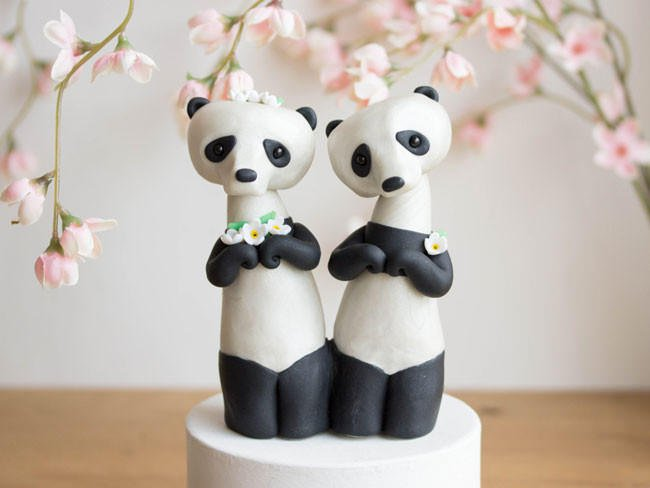 Adorable-cake-toppers-sofie-skein-pandas