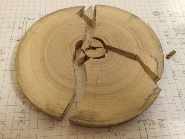 These Awesome DIY Wooden Coasters Are Cracked And Filled ...