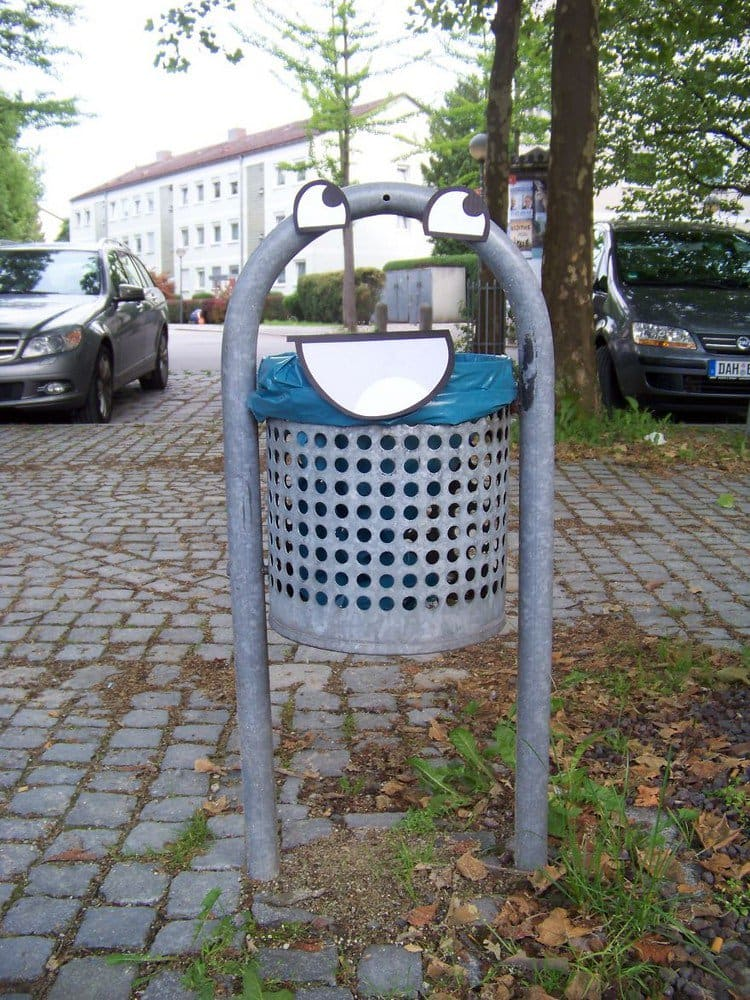 awesome trash can