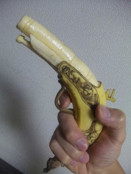 banana-carvings-gun