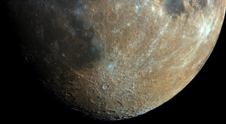 bartosz-moon-bottom