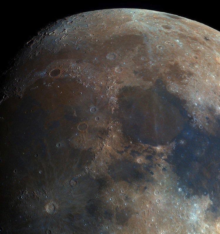 bartosz-moon-two