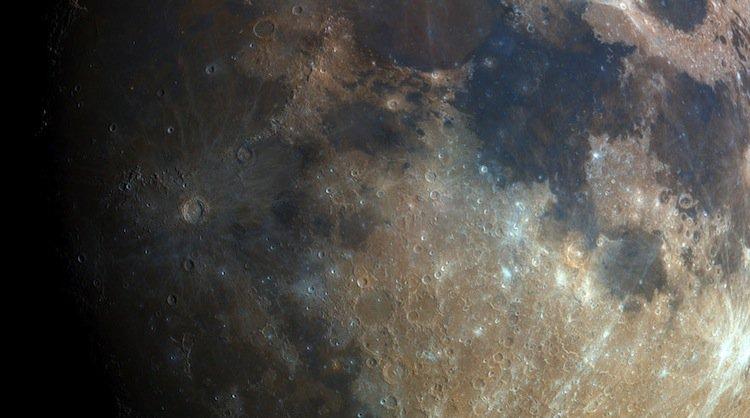 bartosz-moon-zoom