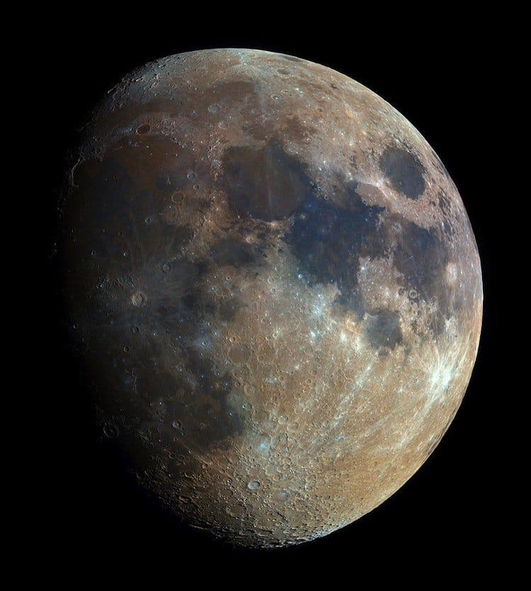 bartosz-moon