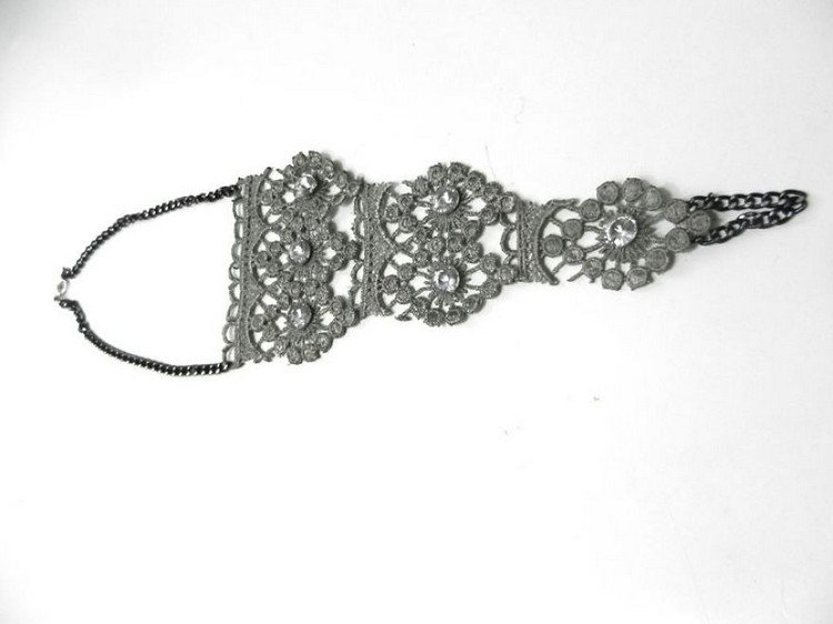chin attached lace