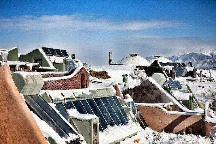 community earthship