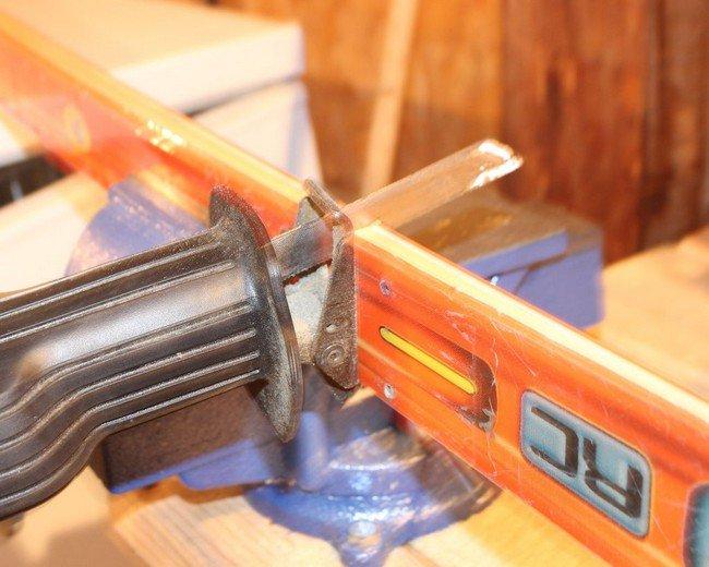 cutting ski