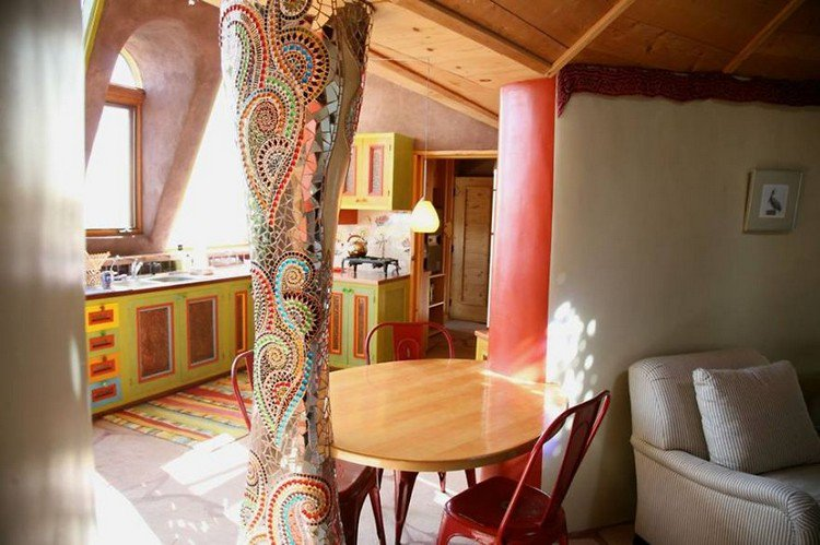 earthship ornate pillar