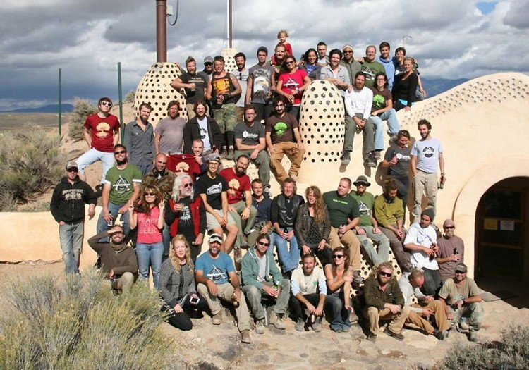 earthship team