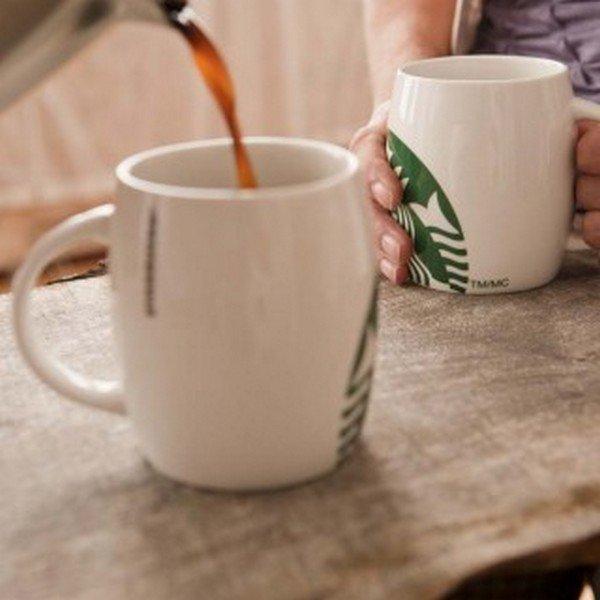 filling starbucks mugs