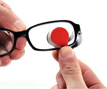 glasses cleaning tool