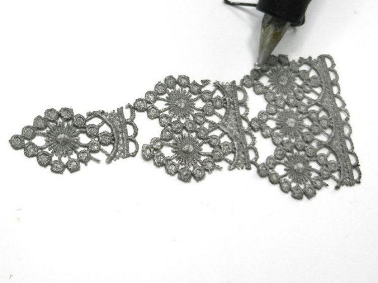 glueing lace