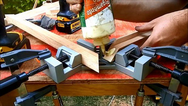 glueing miters