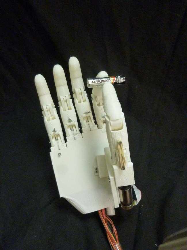 hand pinching battery