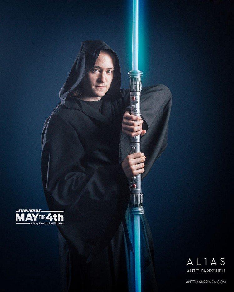 hood blue light saber