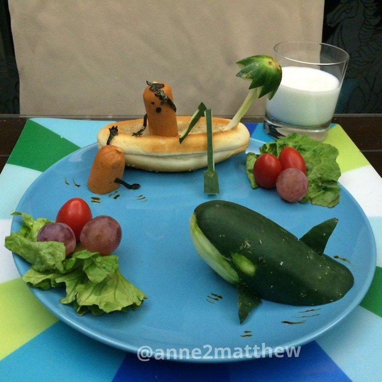 hotdog boat whale