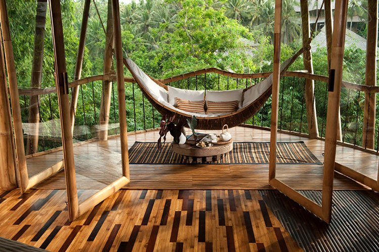 ibuku-bamboo-homes-balcony