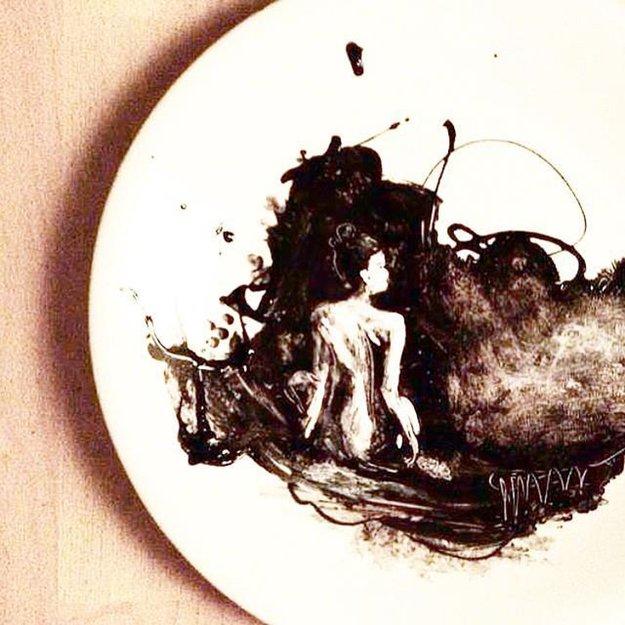 jacqueline-poirier-plates-lady