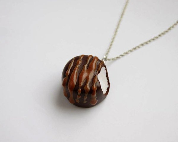 jewelry-necklace-food