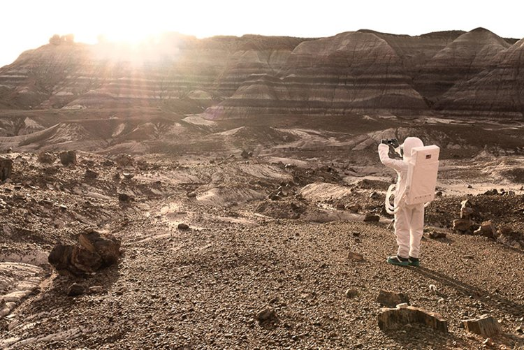 julien-mauve-greetings-from-mars-photos