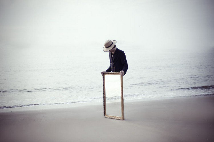 man beach frame